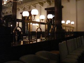 CAFE1894 旧銀行窓口.jpg