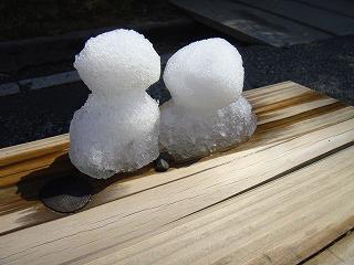 御苑の雪だるま.jpg