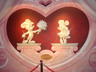 Mickey Mouse Revue 壁画.jpg